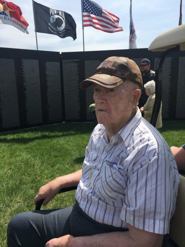 Elner at the Vietnam Memorial Wall