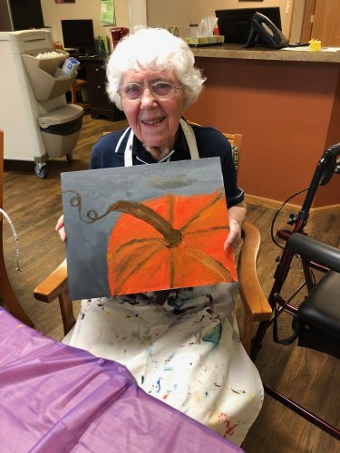 Dorothy showing us her finished pumpkin! What an artist! Beautiful job, Dorothy!