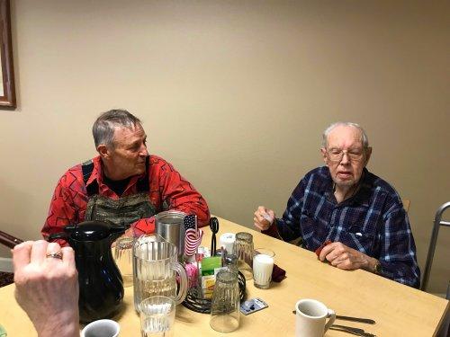 Veteran Bill enjoying his lunch with Arlo.