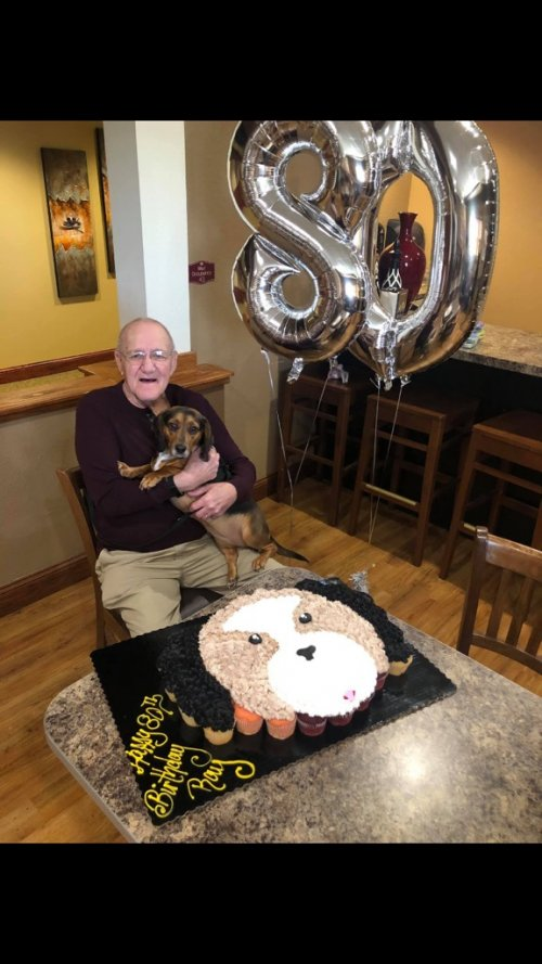 Ray is celebrating his 80th birthday with his best friend Mia!