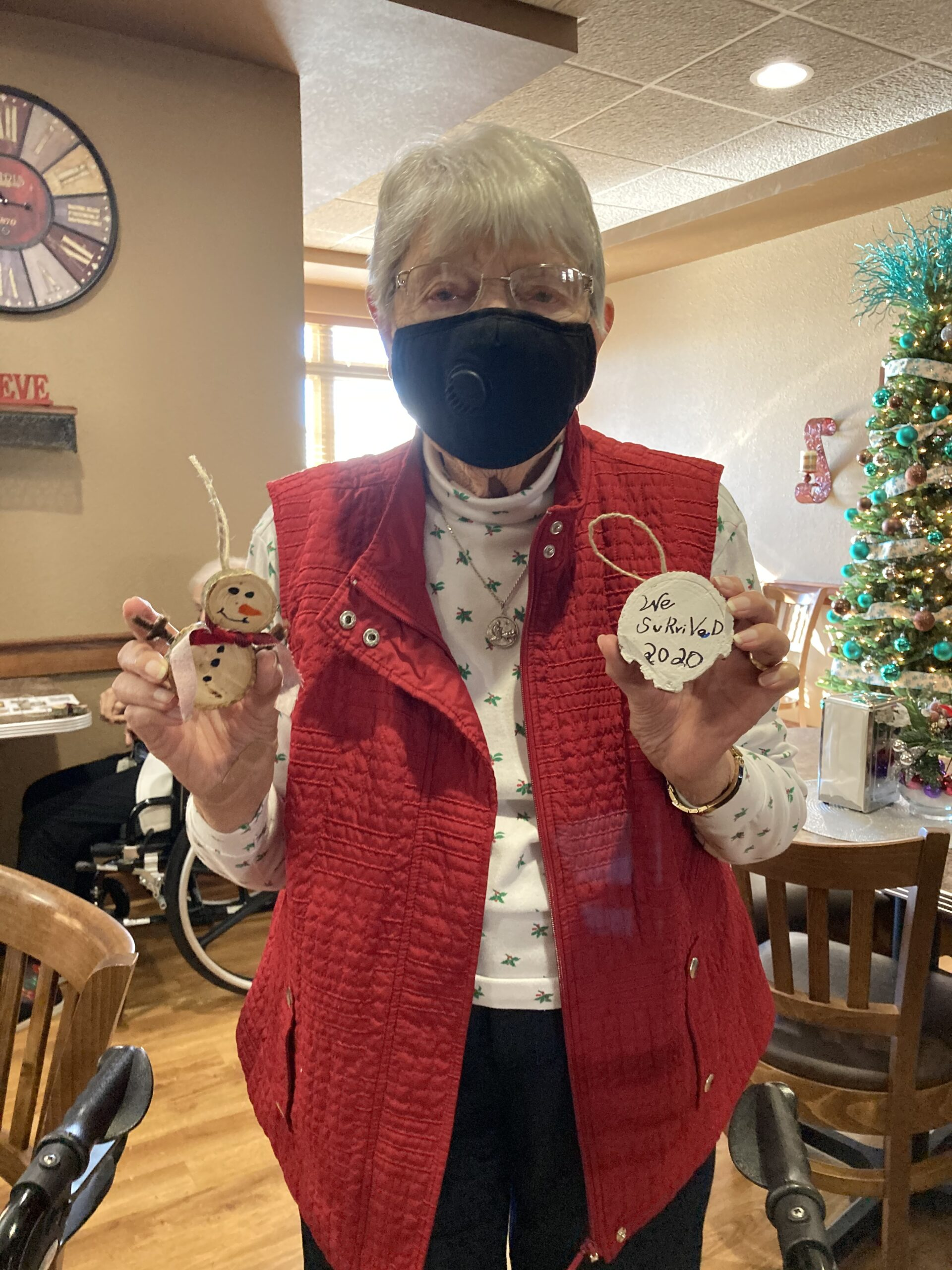 Trudy making her rustic Christmas ornaments!