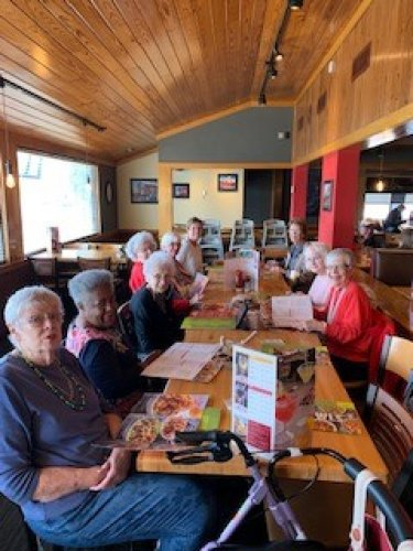 Lunch bunch was ALL ladies this time, and did we have fun!