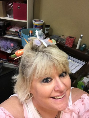 LEC Jill got in on the crazy hair day, Carrots????