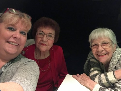 We enjoyed a afternoon of fun at the theater watching Pasty Cline!
