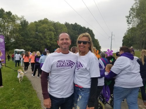 Joni and Steve walking and Volunteering to end Alzheimer's
