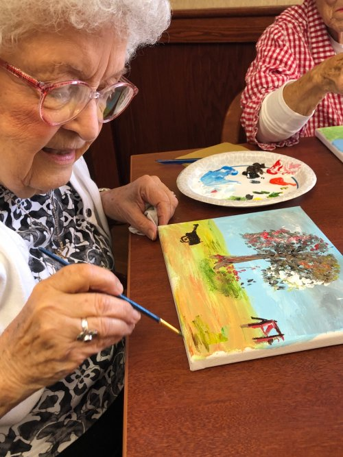 Painting the 'Tree of Life' incorporates all four seasons: how beautiful!