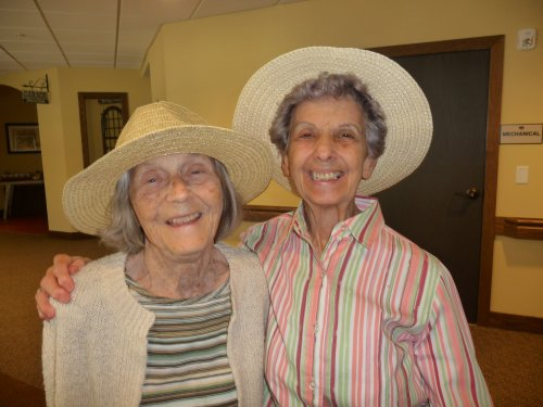 Mary Lou and Frankie wear sunhats on our last warm day