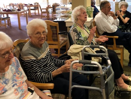 Rosemary, Louise, Herman and Rhea are enjoying the tunes by Turbo Accordions.