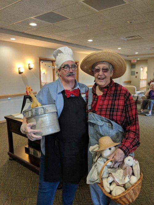 Chef meets farmer....or is it...scarecrow?  Anyway, Faye S. has a great disguise!