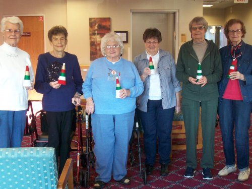 Betty, Betty, Jane, Monica, Marilyn, and Jean proudly holding their winter craft! They said they enjoyed doing the craft and are looking forward to the next one!