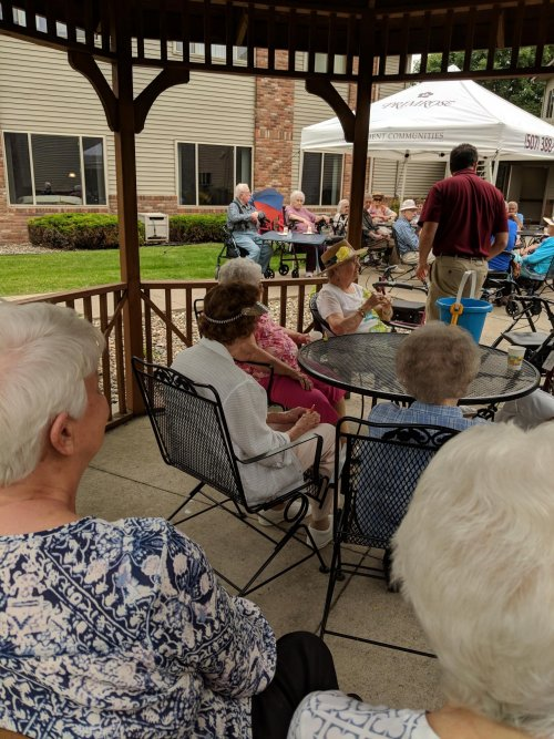 It's great to see so many residents out and about enjoying our Beach Party Happy Hour!