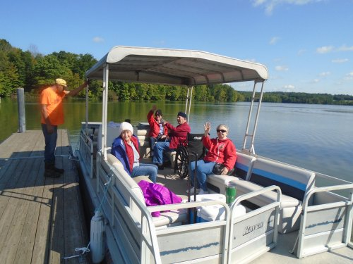 Pontoon boat ride on Clear fork Reservoir and picnic outing