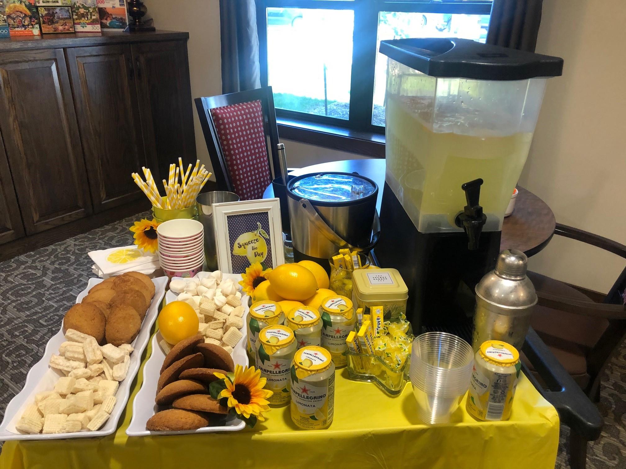 Nationa Lemon Day cart