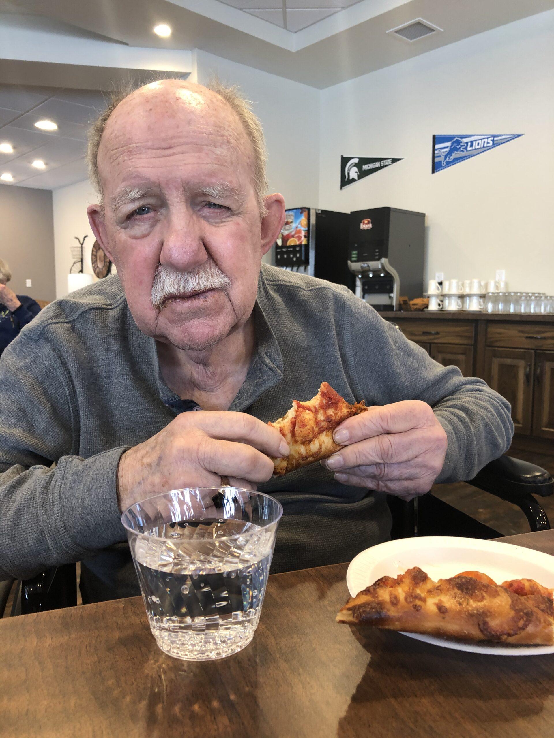 Carl loves Pizza Carl