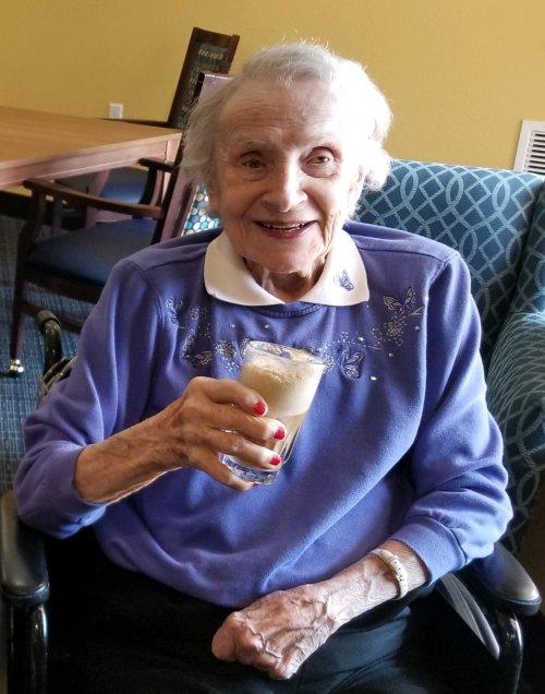 Nina Lee Parker celebrate National Root Beer Float day!