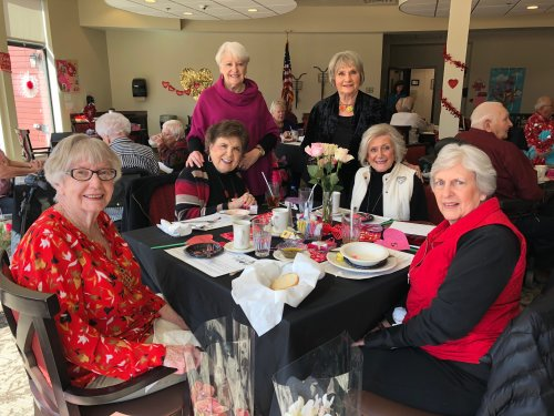 Primrose celebrated Valentine's Day in a big way! A delicious lunch of Shrimp Scampi and asparagus, roses and chocolates, musical entertainment of love songs from the 30s and 40s by Elizabeth Bainbridge, and of course a lot of loved shared between our wonderful residents, staff and their families!