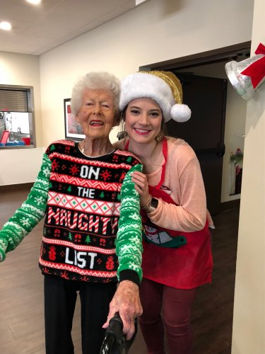 Our lovely resident, Joan and our Sales Assistant, Taylor made sure to dress up in festive style for the Primrose Resident Christmas Lunch! Residents were treated to a lunch of Beef Burgundy, a piano performance, and a visit from Santa himself!