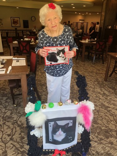 Liz was sure to campaign for her beloved cat, Lucky (who has been featured in a calendar) to win the Primrose Pet Show's Cat Competition! Each resident could read profiles about each resident dog and cat and could vote $1 for their favorite and the proceeds went to the Alzheimer's Association!