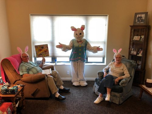 Each Primrose resident took on a big project this past week- First, they handmade Easter Cards with Flowers and Pretty Pictures and choose their favorite one to send to their family, then took Easter Bunny Pictures to include in the cards with a sweet Easter message! Each card was made with love and care through-out the week to bring cheer to their families during the holidays!