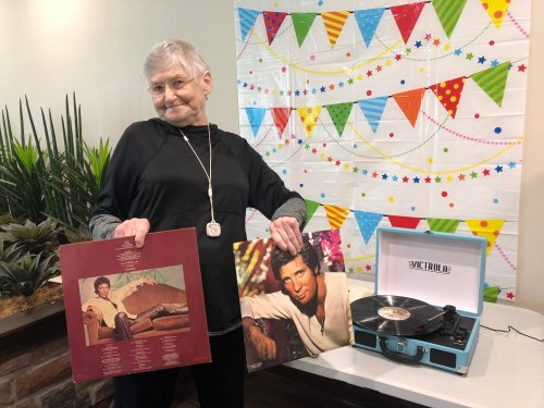 Every Tuesday before dinner residents can choose records of their choice to play on the Primrose Record Player! Sarah chose Tom Jones to spin on the record player which quickly had everyone up and groovin!