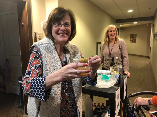 Linda enjoyed receiving a Martini on wheels in place of the resident's weekly happy hour! Sales Director, Kaylee whipped up many 'Quaran-tinis' to keep their spirits up!