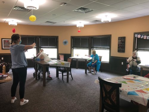 Our Memory Care LEC, Melissa led a very fun sponge painting class where residents created American Flag paintings for Memorial Day!
