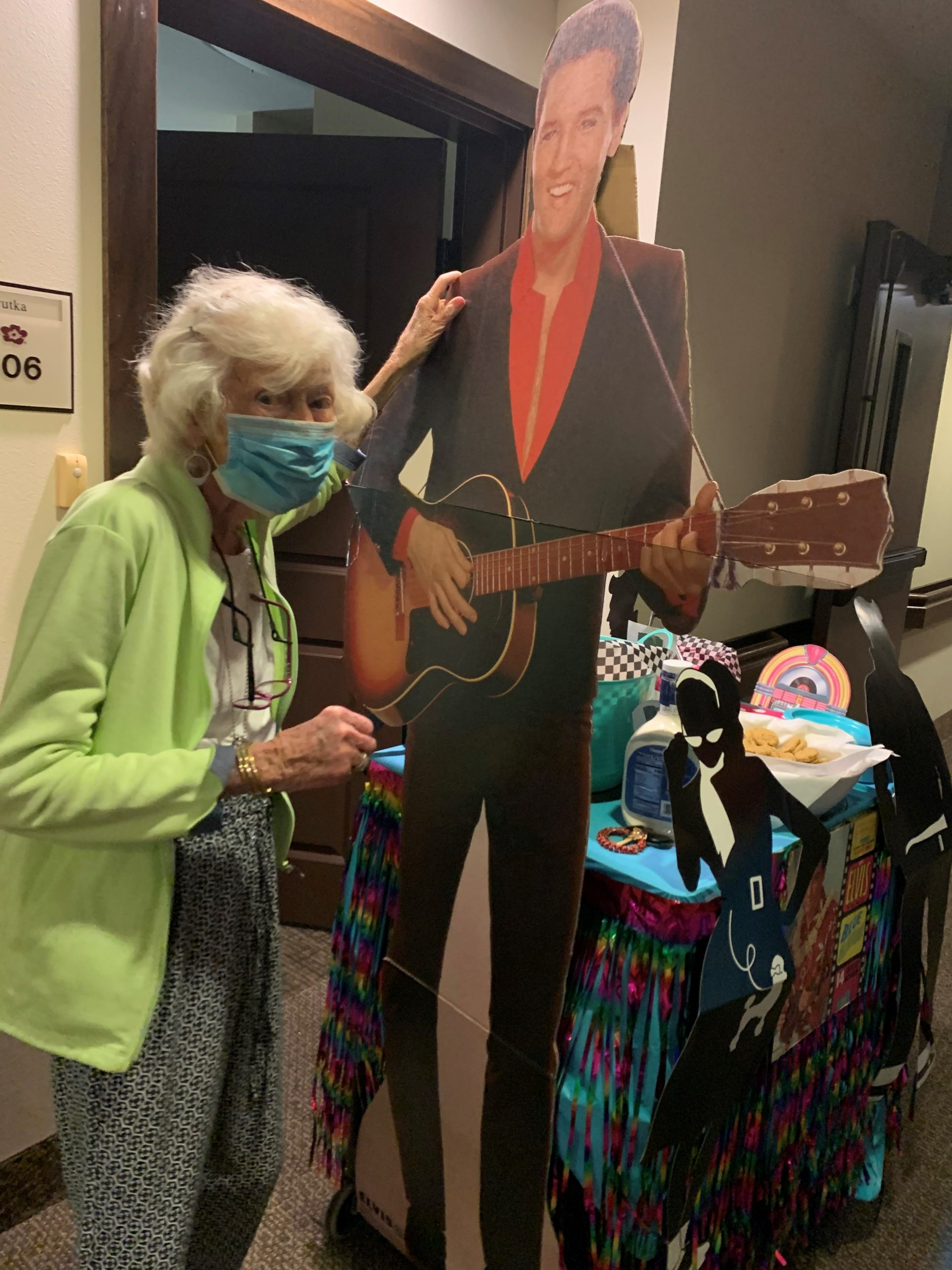 Joan was so excited when she opened her door to this week's mystery cart- Elvis Presley Themed (One of his wife's favorite singers)! Residents danced to his music and tried some of his favorite foods- Peanut Butter and Banana Sandwiches, Monkeybread, and Fried Pickles!