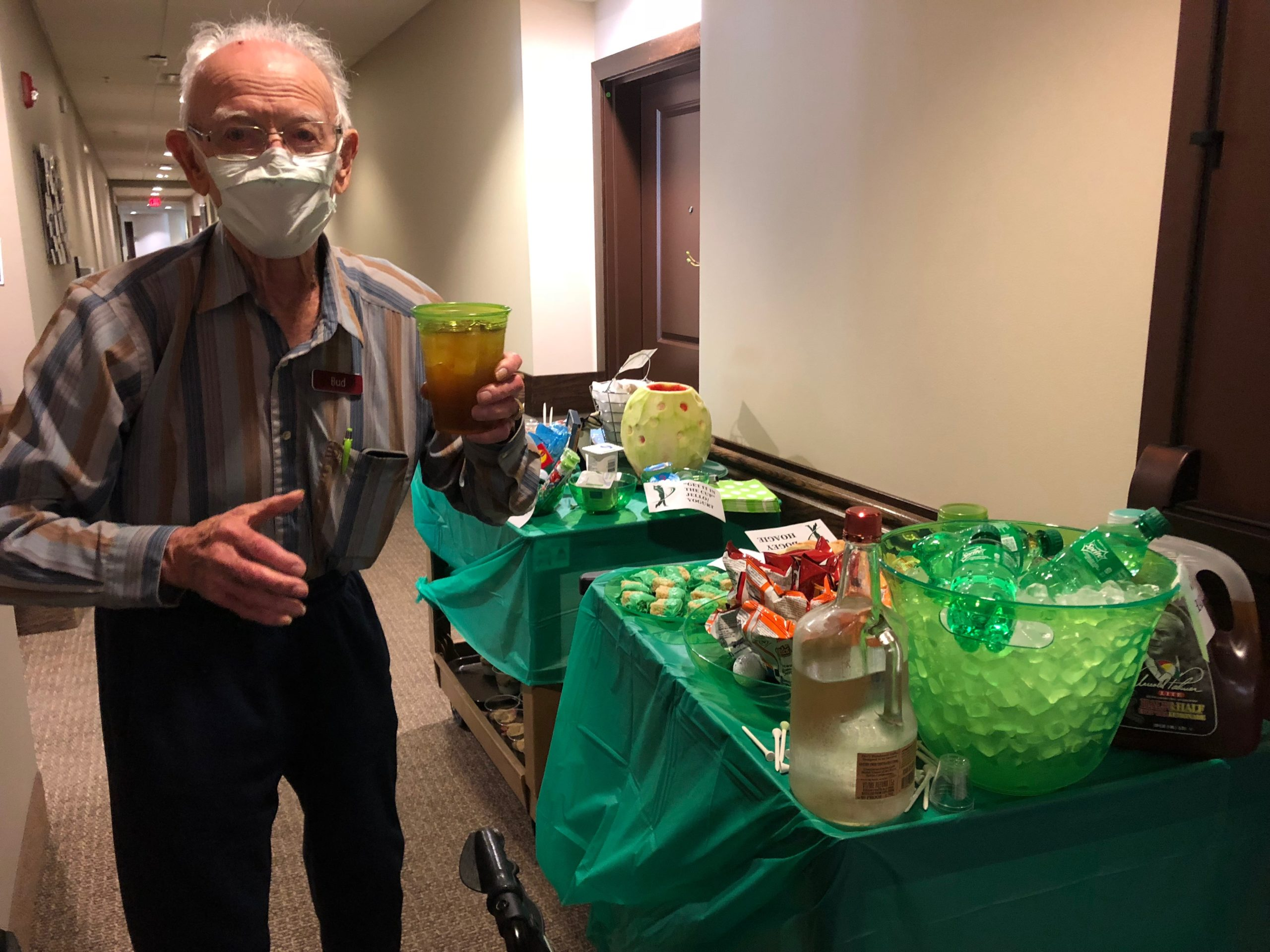 Each Wednesday in August residents are greeted by a mystery themed cart and this week we celebrated National Golf Month with refreshments such as Arnold Palmers, Birdie Bites, Chip Shots, Sand Traps, Bogey Hoagies, and Caddy Candy!