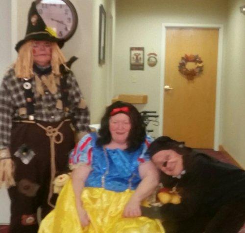 Halloween Costume Gift Card Winners!