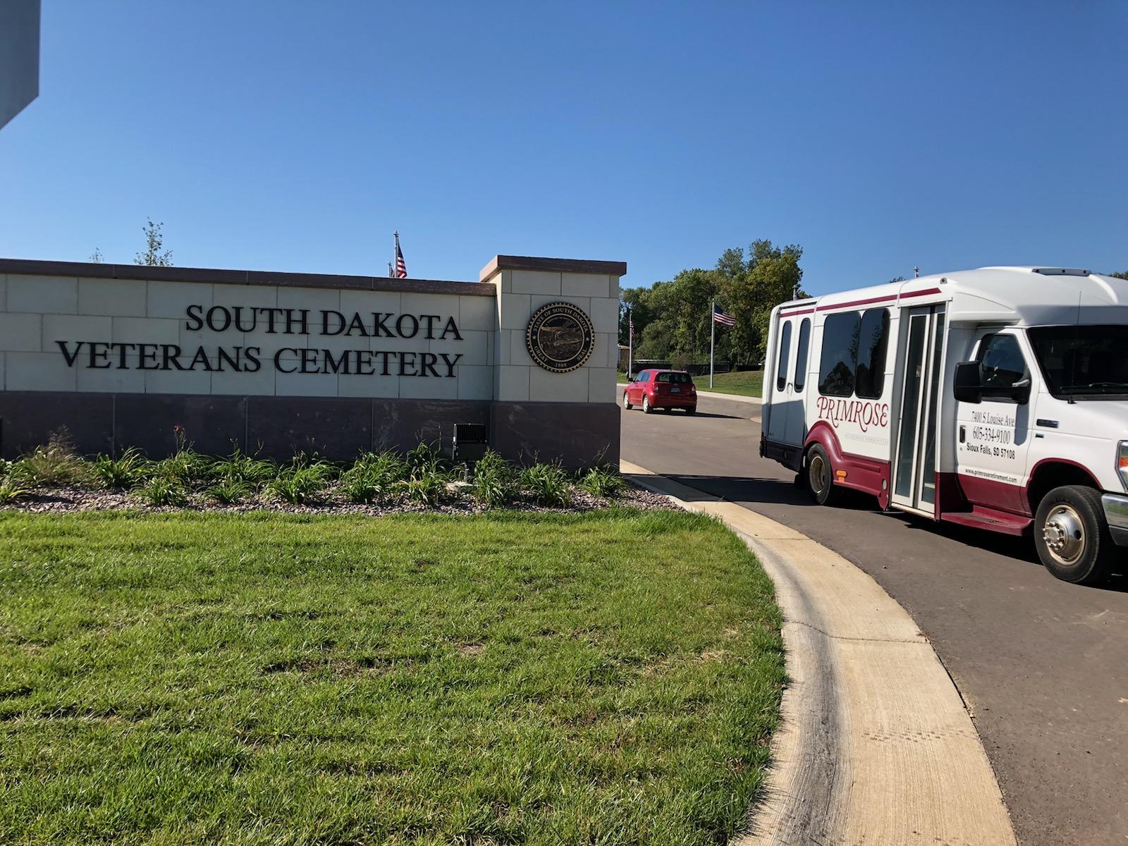 Residents take a bus tour of the South Dakota Veterans Cemetery.