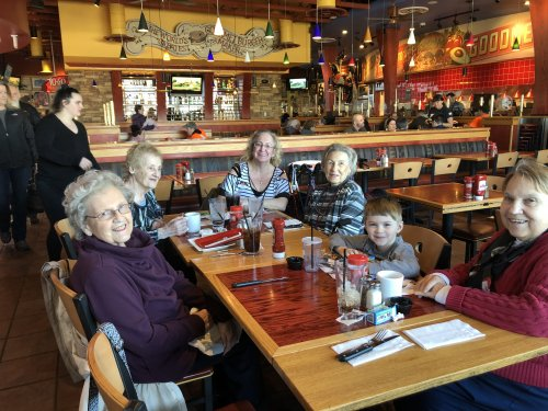 We love when our family's join us for lunch!