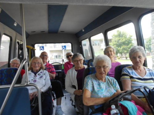 Residents leaving for our sightseeing trip!